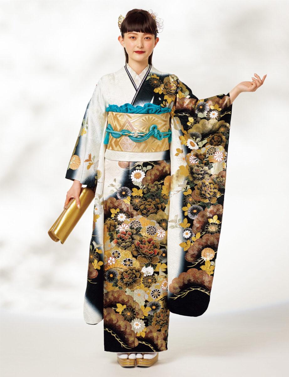 白、黒、金のシンプルかつ妖艶な配色がひときわ大人びた印象の晴れ着。慶びを告げる松や菊たちも輝きに満ち、小粋なスタイルを叶えます。