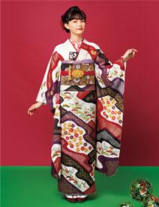 ダイナミックな染め分けに梅、菊、疋田で高度な職人技を堪能。卓越した手仕事が織りなす圧倒的な存在感で、人生の門出にふさわしい逸品です。